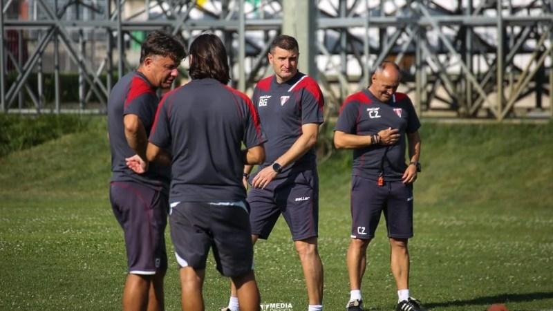 Focar de COVID la UTA? Aproape tot stafful tehnic a intrat în izolare, dar și alți trei fotbaliști! Păcurar conduce antrenamentul de azi!