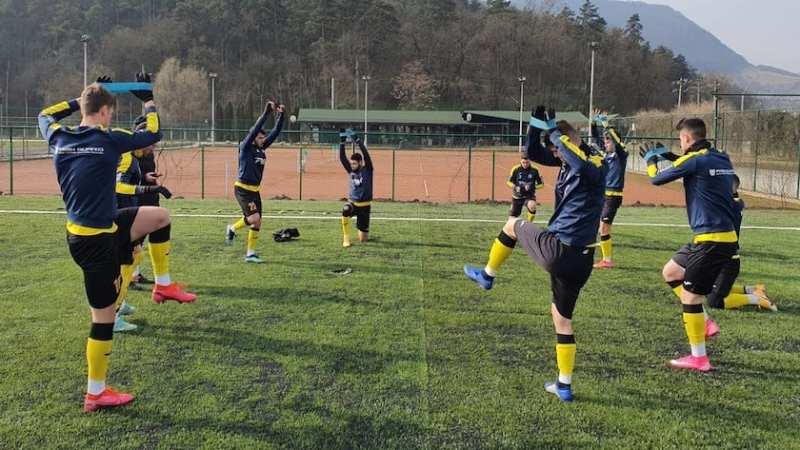 Doar 34 de minute de fotbal în amicalul Deva – Lipova, în final au câștigat…nervii