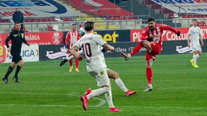 """Albu l-a bătut pe Bălgrădean, dar Cojocaru nu a validat reușita utistă: """"Aveam mâna lipită de corp, sunt convins că nu s-ar fi dat penalty dacă era invers"""""""