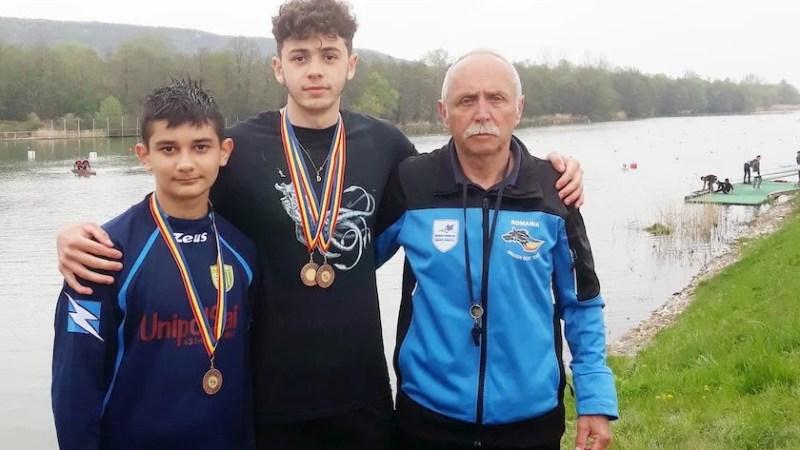 """Medalii naționale pentru Marian și Toc la """"naționalele"""" de kaiac rezervate juniorilor"""