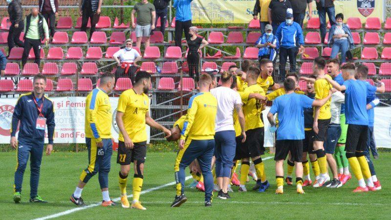 """Titlul de campioană al Lipovei se premiază doar cu un baraj, dar azi a fost sărbătoare! """"Sperăm ca pe 29 mai să strigăm Șoimii în Liga 2-a!"""" + FOTO – VIDEO"""