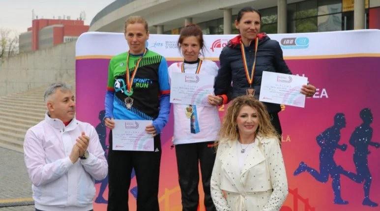"""""""Studenta"""" Mara Guler, titlu şi record naţional în proba regină la alergare pe şosea"""