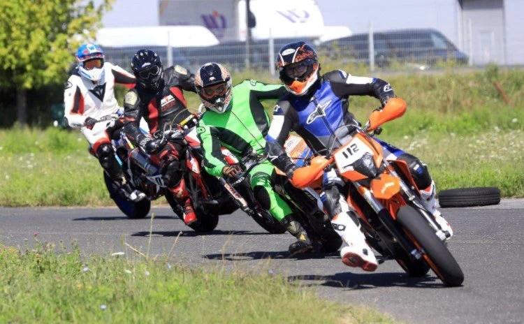 Weekend cu adrenalină, la Arad! Se dă startul naţional la supermoto şi viteză