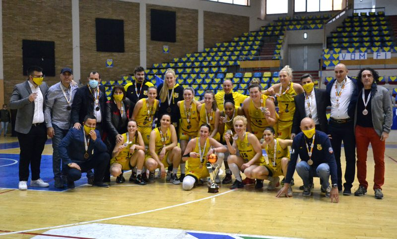 """Galben-albastre"" de bronz pentru al treilea an consecutiv: FCC Baschet UAV Arad – Olimpia CSU Braşov 87-73"