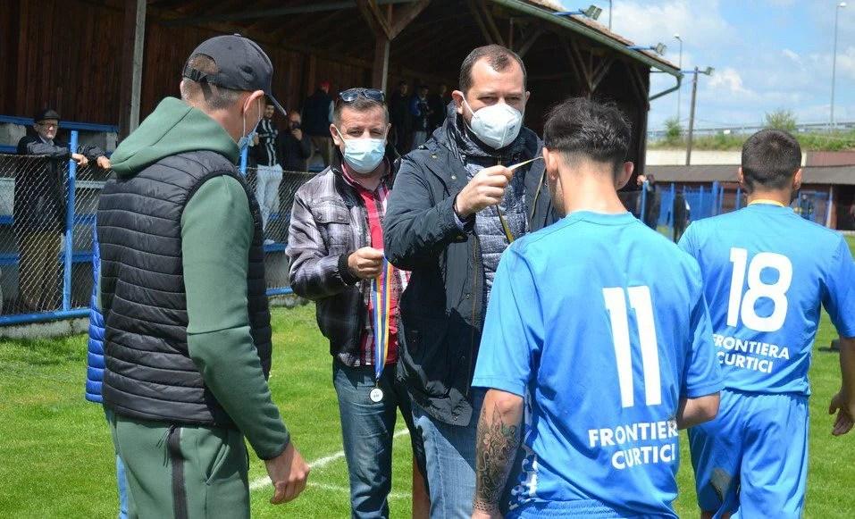 Cadar o felicită pe Frontiera Curtici și vorbește despre sisteme competiționale identice în ligile trei și patru. Cine va reprezenta județul Arad în Cupa României?