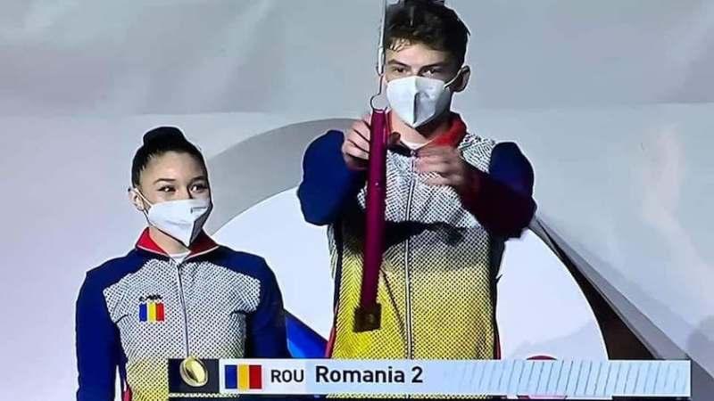 """Arădenii Branda și Popa, medaliați la """"mondialele"""" de juniori la gimnastică aerobică"""