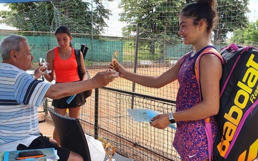 """Maria Mateaș a câștigat """"HAI Cup"""" și a plecat deja la Budapesta pentru un nou turneu: """"Vreau să fac performanță, idolul meu e Simona Halep"""""""