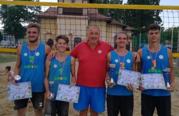 Arădeni pe podium la Oradea Beach Volley 2021