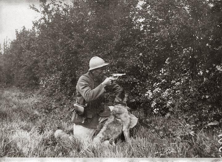 Солдат с малинуа, 1920е гг. (?)