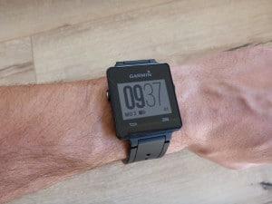Garmin Vivoactive Uhrzeit und Datum