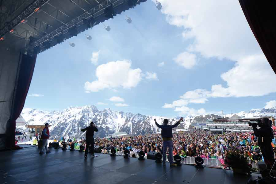 13000 beim legendären Top of the Mountain Osterkonzert in Ischgl