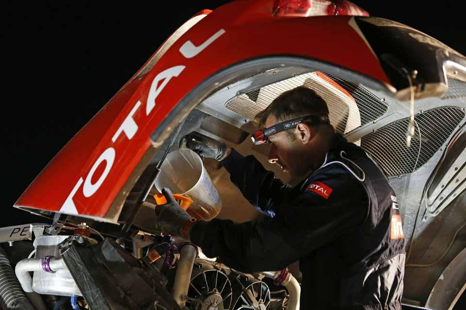 Dakar2015_Jan7-Peugeot-web