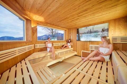 Hotel_Sommer_Sauna-Frauen