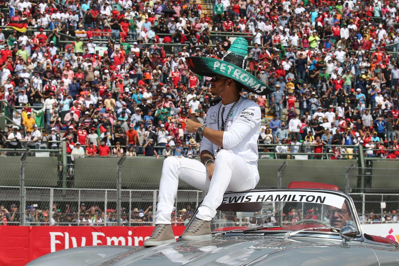 F1-Mexiko-Hamilton-Stadioneinzug