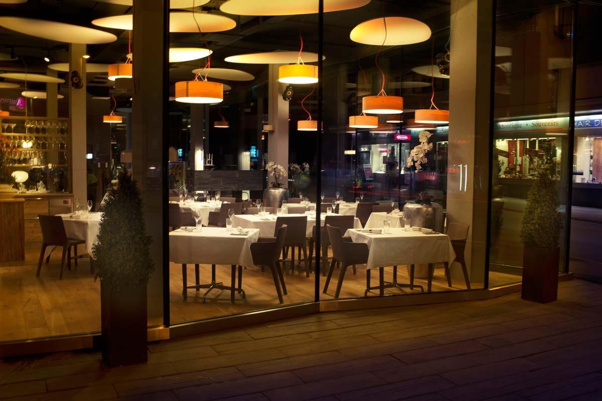 Das Interieur des neuen Gourmet-Restaurants Glow in Davos
