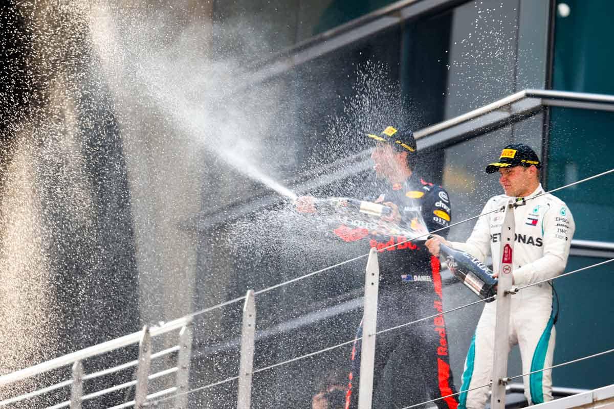 GP-China-2018-Podest-Champagner