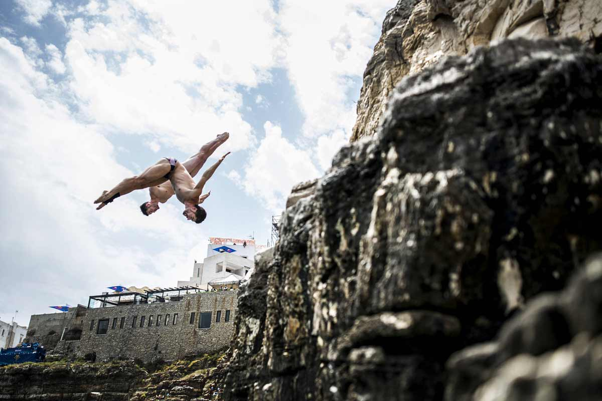 Red-Bull-Cliff-Diving-AP-1SPEQCVAW1W11_news
