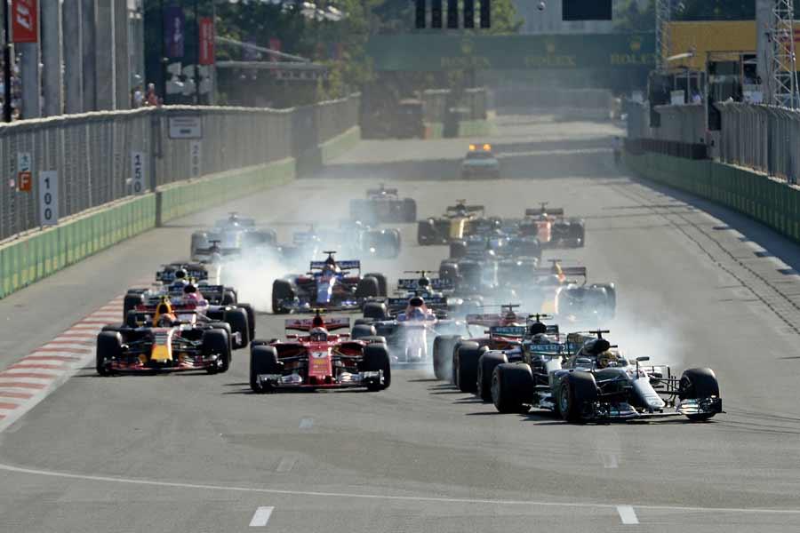 Formel1-Aserbeidschan-2017-Start2