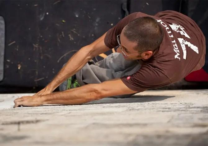 Street boulder: arrampicare in città