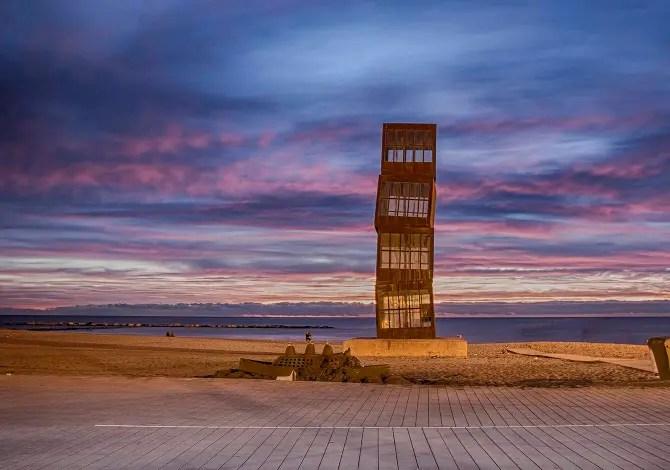 6 spettacolari opere d'arte in spiaggia