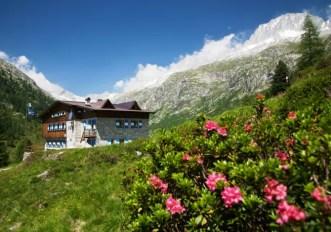 il rifugio alpino Val di Fumo nel Parco Naturale Adamello Brenta, Val di Fumo, Val di Daone, Valli Giudicarie, Trentino Alto Adige, ©Ph. Marco Simonini (TN) Italy