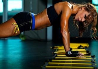 12 esercizi a corpo libero per allenarsi a casa