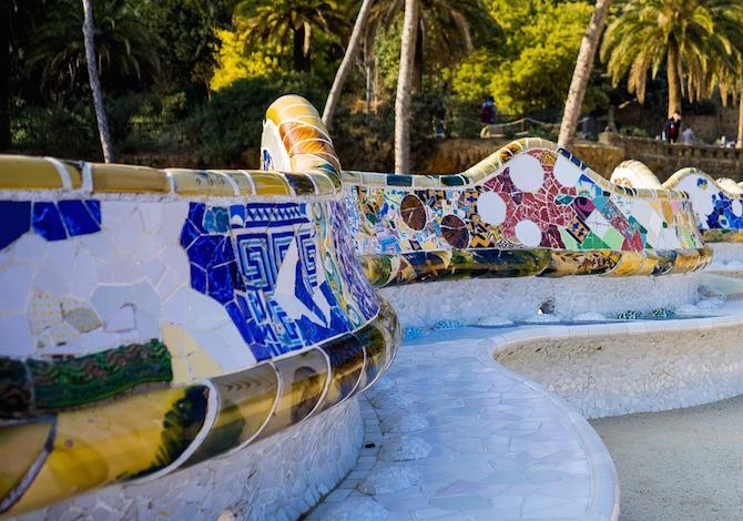 Barcellona, la panchina di Gaudì al Parc Guell - foto Mariamichelle Pixabay