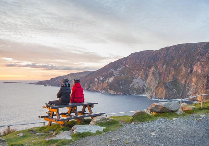 Il panorama da una scogliera della Sliabh Liag (Credits: wildatlanticway.com)