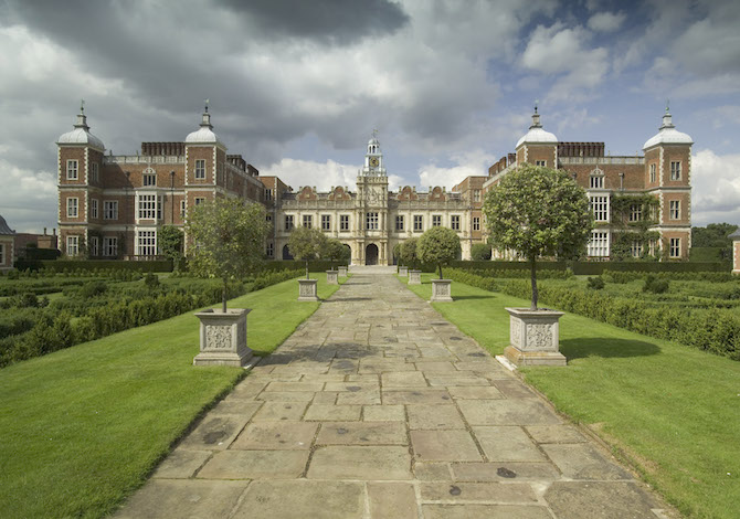 Hatfield House, location The Crown