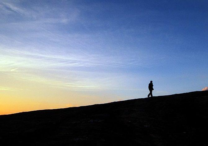 camminare-antistress-benefici-consigli