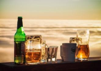 Birra, vino o cocktail: cosa fa ingrassare di più?