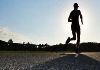 Mal di schiena e corsa: cause e rimedi della lombalgia del runner