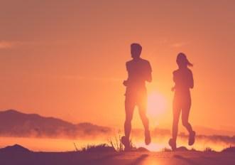 Correre con il caldo: le maglie da running che tengono fresco