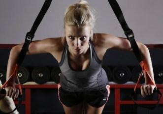 Esercizi TRX per le braccia