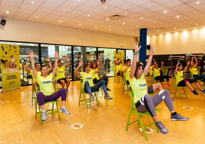 Esercizi ginnastica Sedia