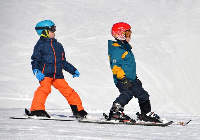 Casco da sci per bambini obbligatorio: le caratteristiche per scegliere quello giusto