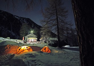 Riapre il Campo Base Invernale Ferrino Highlab al Rifugio Toesca_Ph. Cristian Dalla Lucia_LR