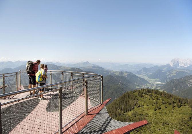 tirolo-bambini-Triassic-Parc-Waidring-Tirol-Werbung-Frank-Bauer.
