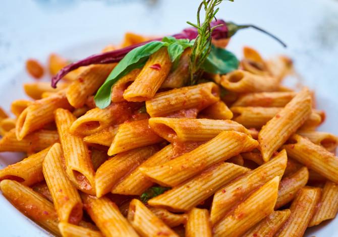 Il peperoncino nell'alimentazione dello sportivo: perché mangiare la pasta all'arrabbiata