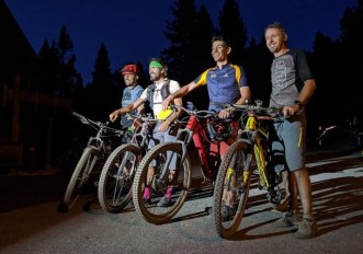 Tommy Caldwell e Alex Honnold in mountain bike