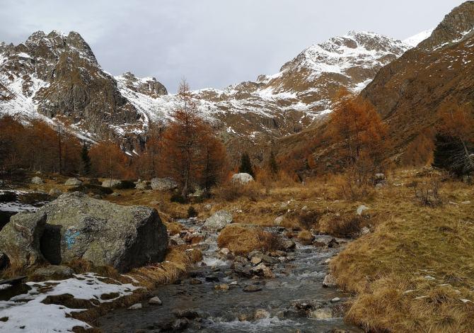 escursioni-in-lombardia-con-le-ciaspole-al-bivacco-valzaroten-nella-val-cane-sentiero