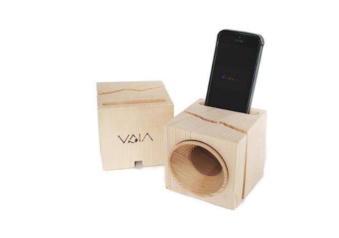 vaia-il-cubo-amplificatore-costruito-con-il-legno-recuperato-da-alberi-caduti