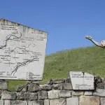 Il sentiero del Memoriale nel Parco Storico di Monte Sole (BO) Marzabotto, Monzuno, Grizzana: sono i tre comuni nei quali, durante la Seconda Guerra Mondiale, vennero uccise ben 955 persone, 770 delle quali durante la violenta rappresaglia divenuta poi tristemente celebre con il nome di Eccidio di Marzabotto. Oggi sul territorio dei tre comuni sorge il Parco Storico di Monte Sole, al cui interno è stato attrezzato un sentiero del Memoriale che ripercorre con la memoria queste vicende e quelle della Brigata Partigiana Stella Rossa. L'itinerario è semplice, con un debolissimo dislivello (257 metri), lungo circa 5 ore di cammino; oltre che dalla sede del Parco (Via Porrettana, 4, Marzabotto) ha altri punti di accesso a San Martino, Caprara, Cima Monte Sole, Casaglia e Cerpiano.  Per informazioni e dettagli ci si può rivolgere alla sede del Parco Storico di Monte Sole. Credits: Flickr CC William