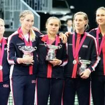 Praha finale FED CUP dvouhra Katerina Siniakova Keninova a vitezny ceremonial FOTO CPA