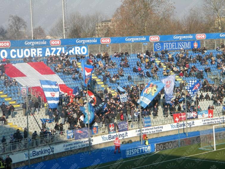 Novara-Crotone-Serie-B-2015-16-01