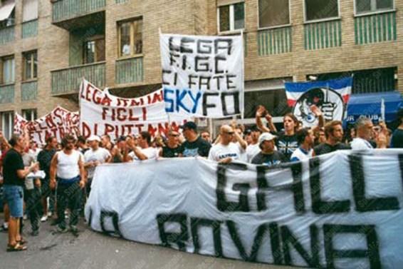 Manifestazione-Ultras-Milano-Giugno-2003-15