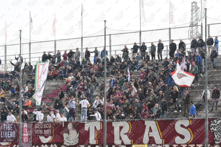 Fano-Avezzano-Serie-D-2015-16-09