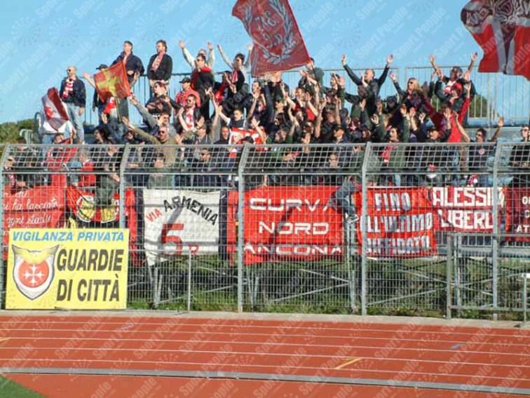 Pontedera-Ancona-Lega-Pro-2015-16-06