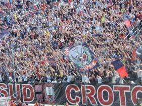 Crotone-Latina-Serie-B-2015-16-09