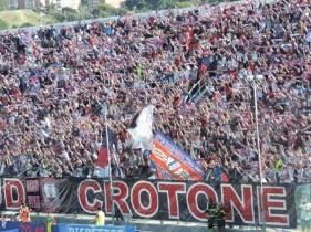 Crotone-Latina-Serie-B-2015-16-10